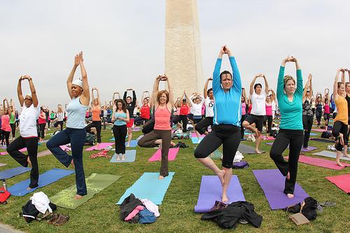 yoga by daveynin